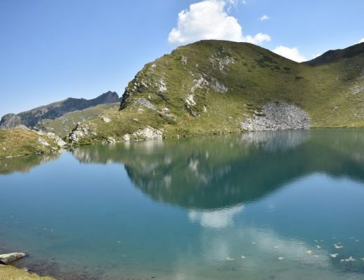 Езеро Удавника