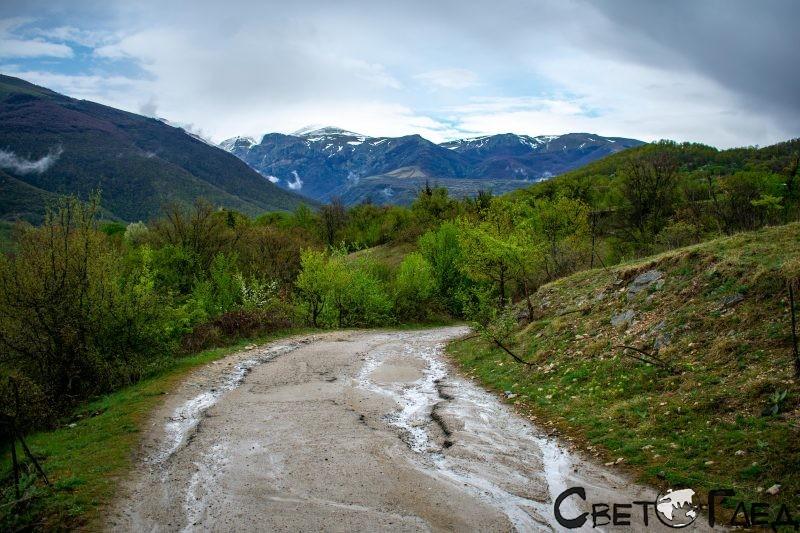 По пътя към екопътека Бяла река
