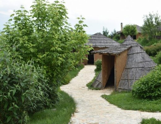 Археологически парк Тополница, с. Чавдар