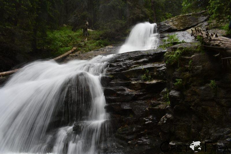 водопади по Скакавишката река