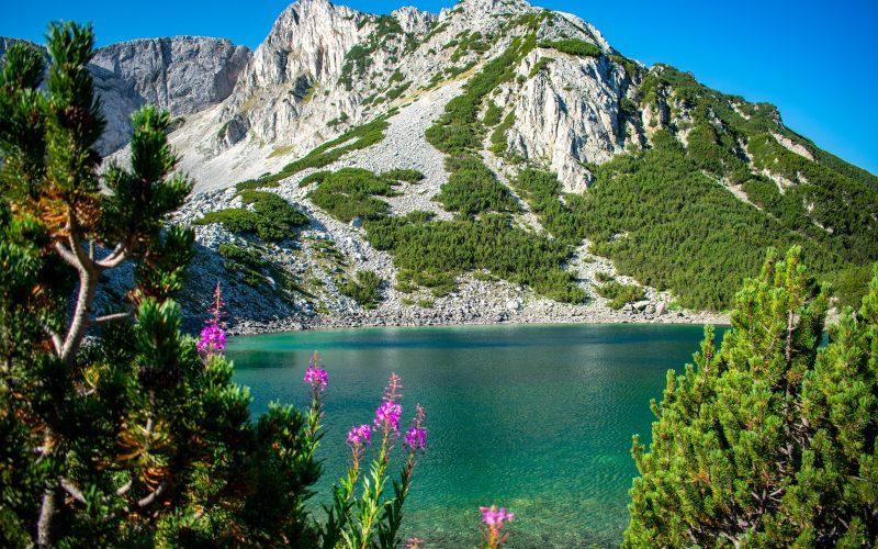 Езеро и връх Синаница
