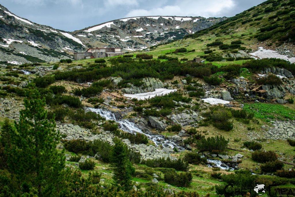 х. Заврачица и водопадът в подножието